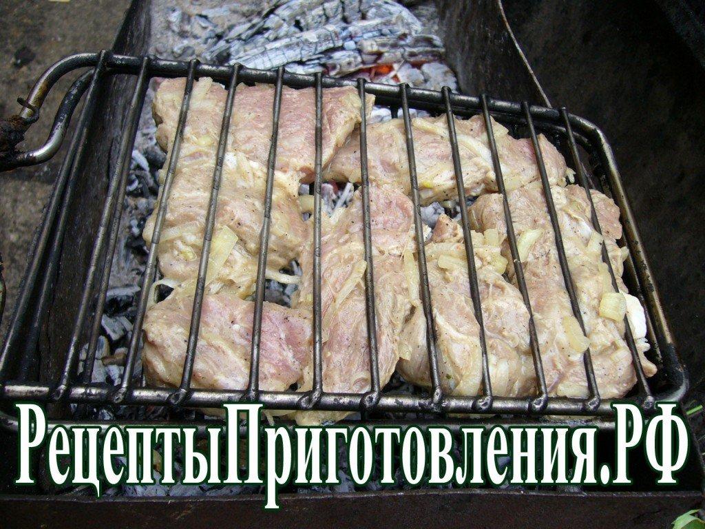 Спустя 2 часа мясо надо перемешать для
